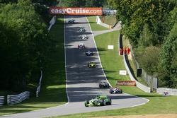 Nelson A. Piquet voert het veld aan
