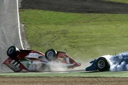 Kalil Beschir slaat over de kop na touché met Enrico Toccacelo