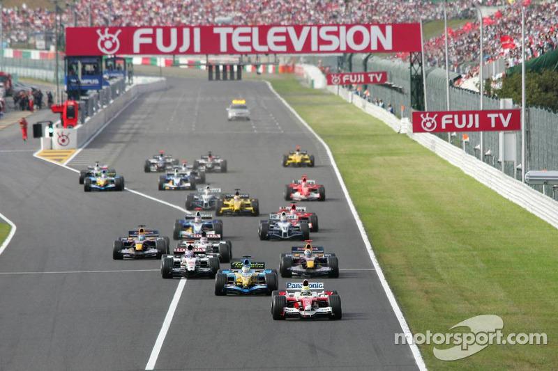 Arrancada: Ralf Schumacher toma la punta