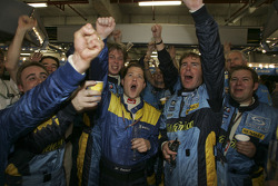 Renault F1 team members celebrate world championship