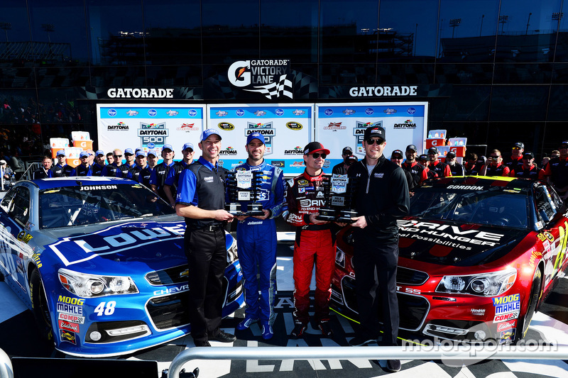 Pole-Sitter: Jeff Gordon mit Crew-Chief Alan Gustafson; 2. Jimmie Johnson mit Crew-Chief Chad Knaus