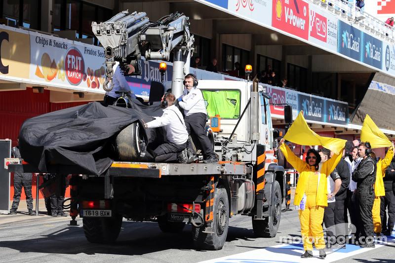 2015: странная авария Алонсо на тестах
