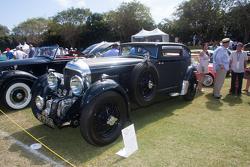 """1931 بنتلي سرعة ستة  """"القطار الأزرق الخاص """"""""; 2555122,2555121,2555120;1931 Cadillac 370A Convertible Coupe;1931 كاديلاك 370إيه مكشوفة كوبيه; 2555082,2555081,2555080,2555079,2555078,2555077;1932 Auburn Custom Deluxe 8-100A;1932 أوبورن معدّلة ديلوكس 8-إيه100"""
