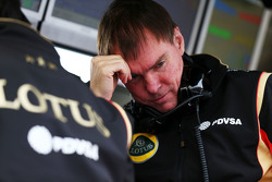 Alan Permane, Leiter Lotus F1 Team an der Rennstrecke