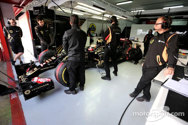 Пастор Мальдонадо, Lotus F1 Team, Марк Слейд, Lotus F1 Team, гоночний інженер