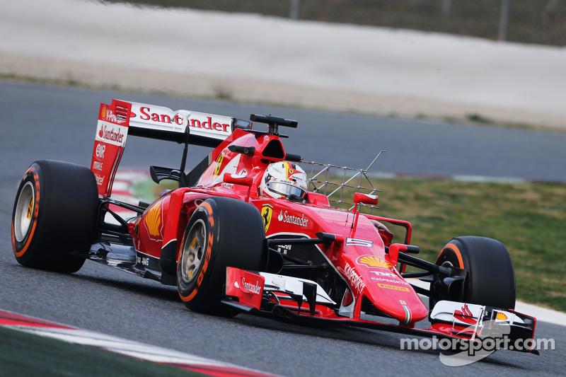 Sebastian Vettel, Ferrari SF15-T, fährt mit Messgeräten am Auto