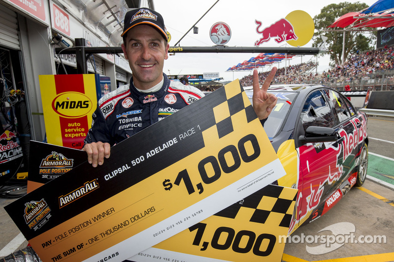 Pole-Sitter: Jamie Whincup, Red Bull, Holden, feiert
