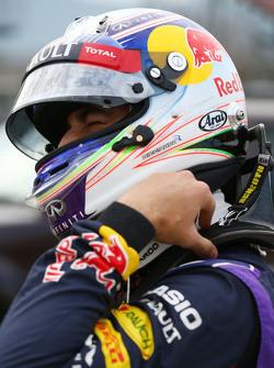 Даніель Ріккіардо, Red Bull Racing зупинився на треку