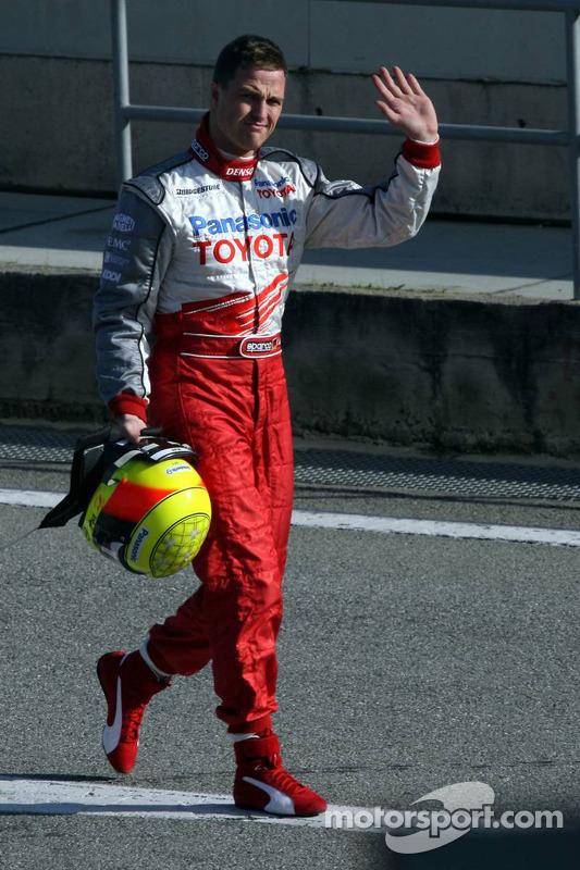 Ralf Schumacher après s'être arrêté sur la piste