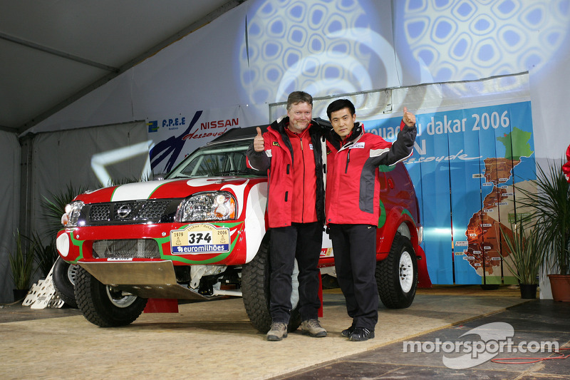 Team Nissan Dessoude public presentation: Zhou Yong and Denis Schurger sur scène