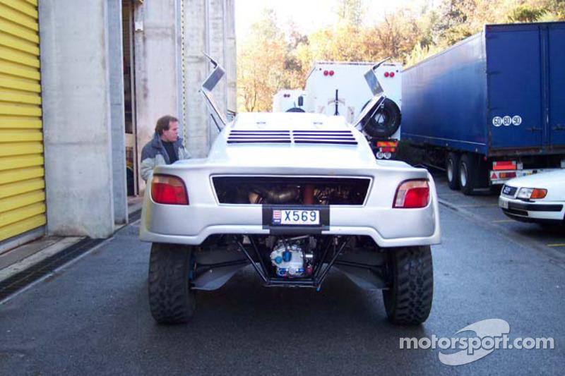 Vanguard Racing test en France: Ronn Bailey se tient prêt pour le test de la voiture 2006 Vanguard Racing Rally