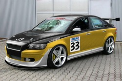 With his father Chris managing Riley Racing, son Jameson will pilot the team's Volvo S40 T5 in SPEED Touring Car in 2006