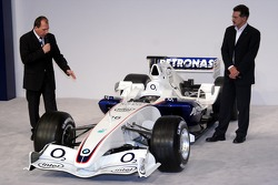 Willy Rampf and Mario Theissen talk about the new car