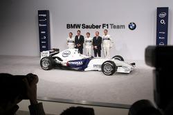 Jacques Villeneuve, Mario Theissen, Nick Heidfeld, Willy Rampf and Robert Kubica