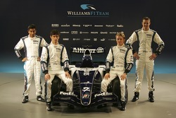 Narain Karthikeyan, Mark Webber, Nico Rosberg y Alexander Wurz con el nuevo Williams FW28