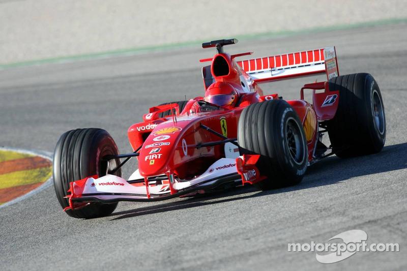 Valentino Rossi dans la Ferrari F2004 à Valence, en 2006