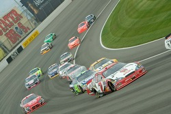 Race action at Turn 3