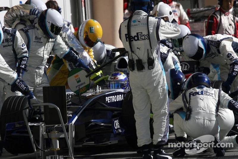 Pitstop for Nico Rosberg