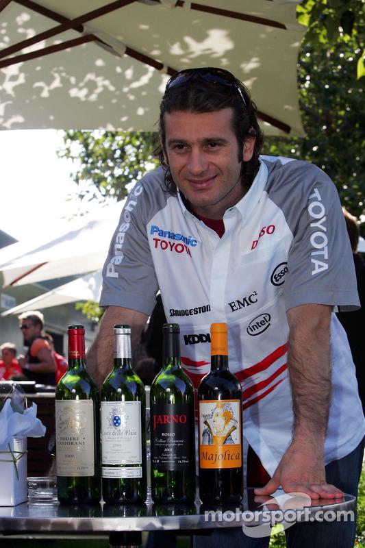 Jarno Trulli présente son vin