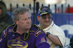 Steve Kinser returns from the hospital