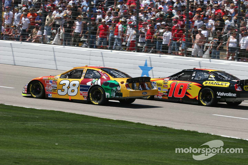 Elliott Sadler et Scott Riggs