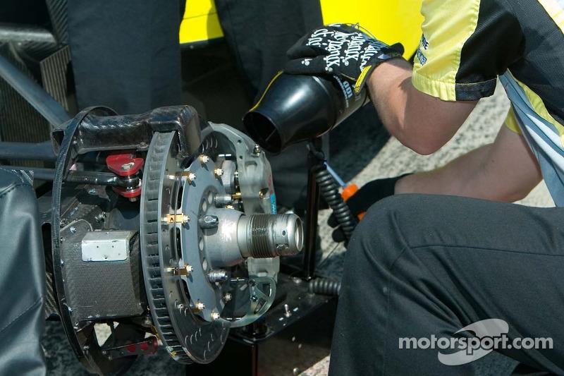 Equipe RuSPORT raffraichit les freins avec un ventilateur électrique