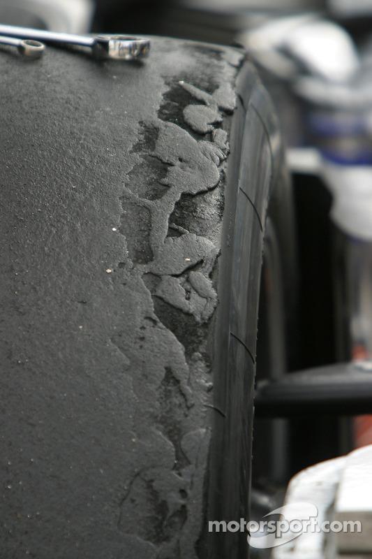 Usure sur le pneu de la Dyson Racing Team Lola B06/10