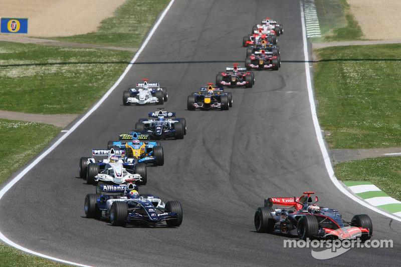 Kimi Räikkönen devant Mark Webber