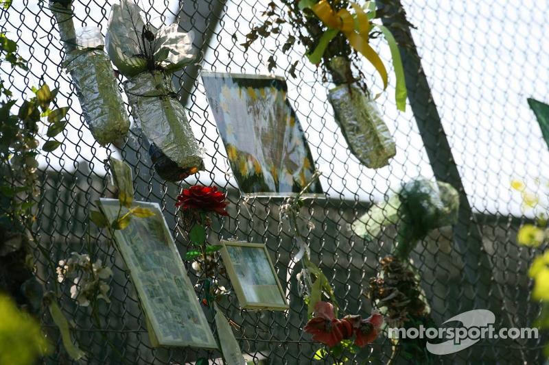 Homenaje a Ayrton Senna en Tamburello