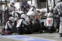 Arrêt au stand pour Rubens Barrichello