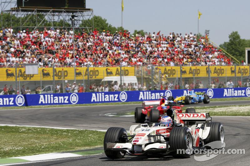 Вторая гонка в Италии (в Имоле)