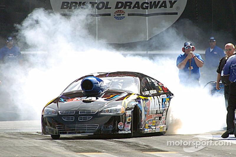 Larry Morgan chauffe son moteur