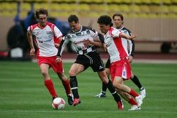 Match de football de charité: Michael Schumacher et Pierre Casiraghi, le fils de la princesse Carloline et les neveux du Prince Albert II de Monaco