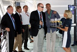 Chilled Thursday: Prince Albert of Monaco with company