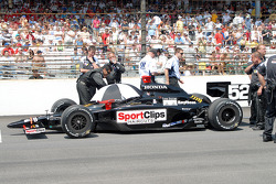 Max Papis' car pushed to grid