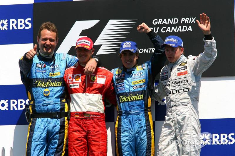 Podium: les vainqueurs de la couse Fernando Alonso avec Michael Schumacher, Kimi Raikkonen et Steve Nielson