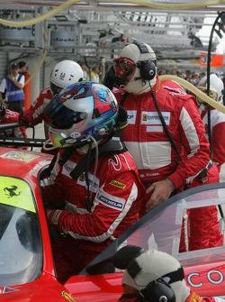 #87 Scuderia Ecosse Ferrari 430 GT driver change