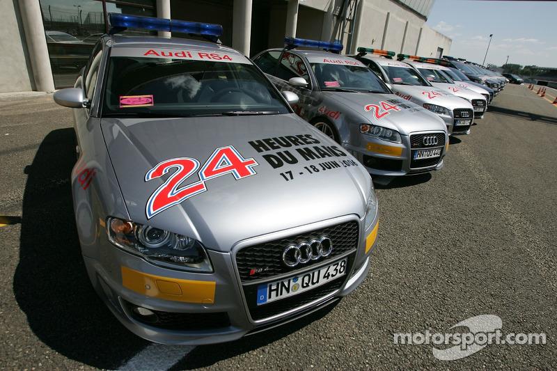 Des voitures de sécurité Audi RS4