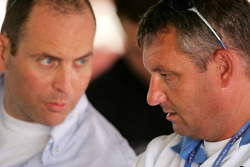 Allard Kalff, Manager of Jeroen Bleekemolen, talks with Roger Peters