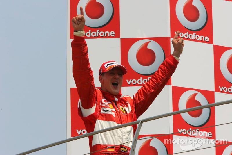 """2006 - Michael Schumacher, Ferrari (<a href=""""http://fr.motorsport.com/f1/photos/main-gallery/?r=19476"""">Galerie</a>)"""