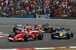 Start: Felipe Massa and Fernando Alonso battle