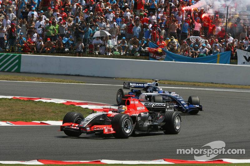 Tiago Monteiro et Nico Rosberg