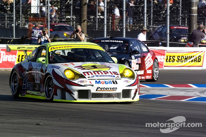 #31 Petersen/White Lightning Porsche 911 GT3 RSR: Jorg Bergmeister, Michael Petersen, Patrick Long