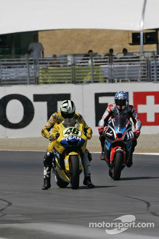 Valentino Rossi inicio de la práctica