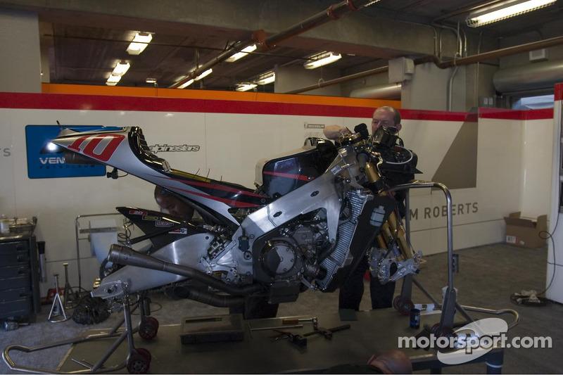 KR Honda construido por el equipo de Roberts