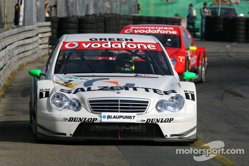 Jamie Green domine la course devant Bernd Schneider