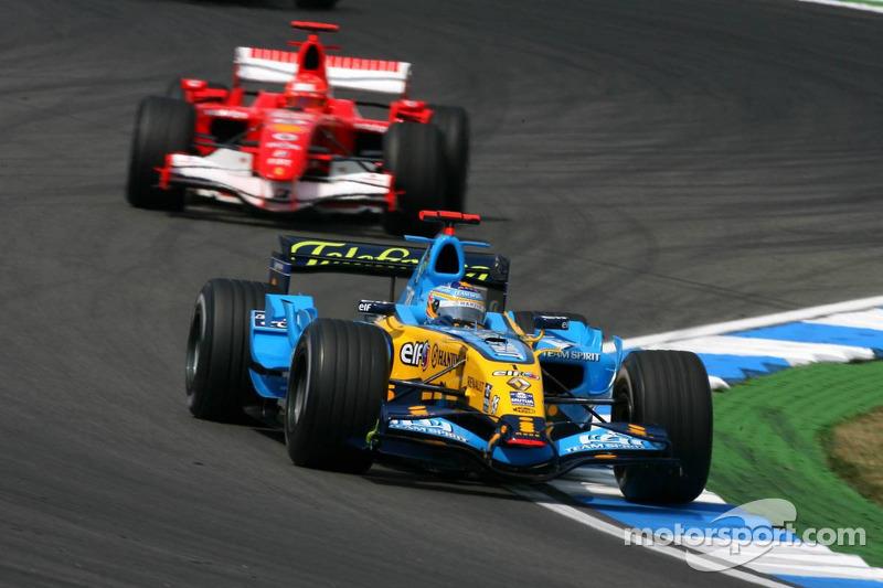 Fernando Alonso vor Michael Schumacher