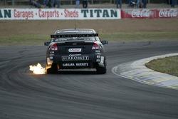 Paul Morris crachant des flammes