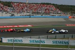 Start crash: Nick Heidfeld and Giancarlo Fisichella