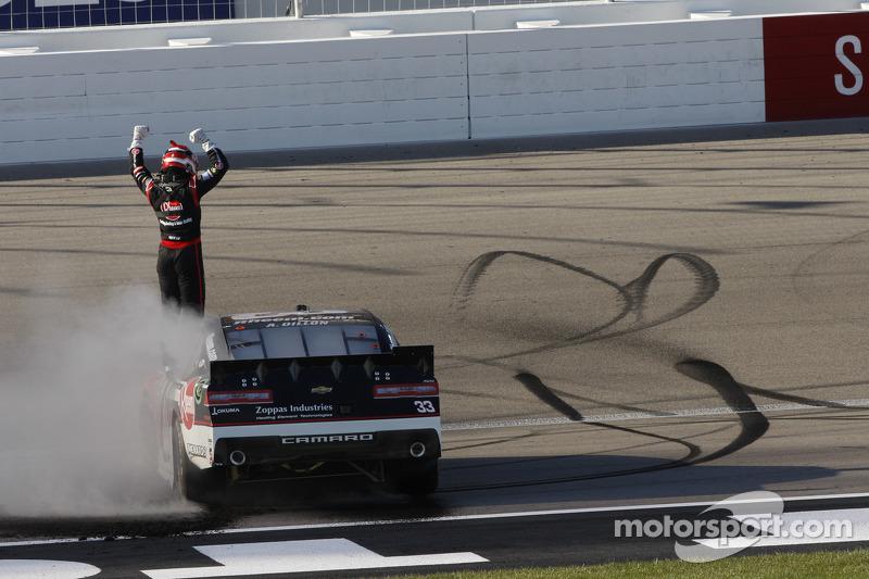 1. Austin Dillon, Richard Childress Racing, Chevrolet, feiert